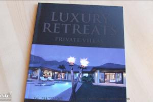 Plaquette Luxury Retreats